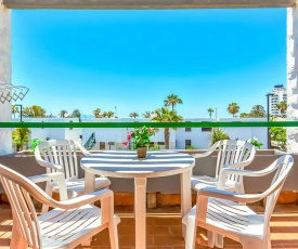 Las Americas Two Bedroom with Amazing Pool