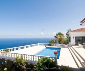 Holiday-home-with-private-pool-furnished-terrace-and-great-sea-view