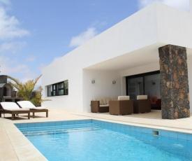 Villa Lujosa - Luxury Villa With Private Pool