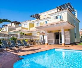 Corralejo Holiday Villa Garden with pool