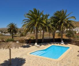 Villa North Share Pool!