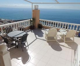 Luxury Apt. with Stunning Sea View
